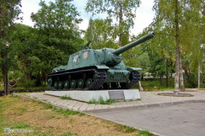 Техника возле крепости в Приозерске.