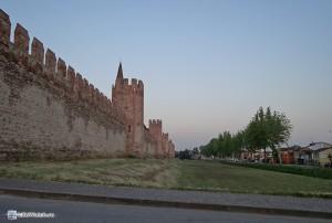 Монтаньяна. Часть стен крепости