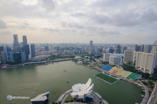 Вид со смотровой отеля Marina Bay Sands