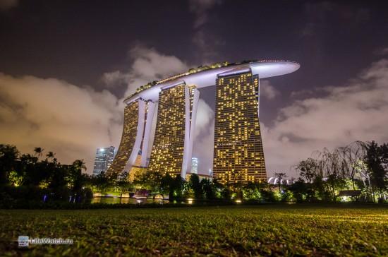 Отель Marina Bay Sands ночью